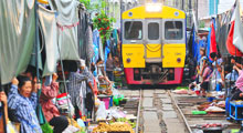The Folding Umbrella Market : Railway Market Thumbnail Picture